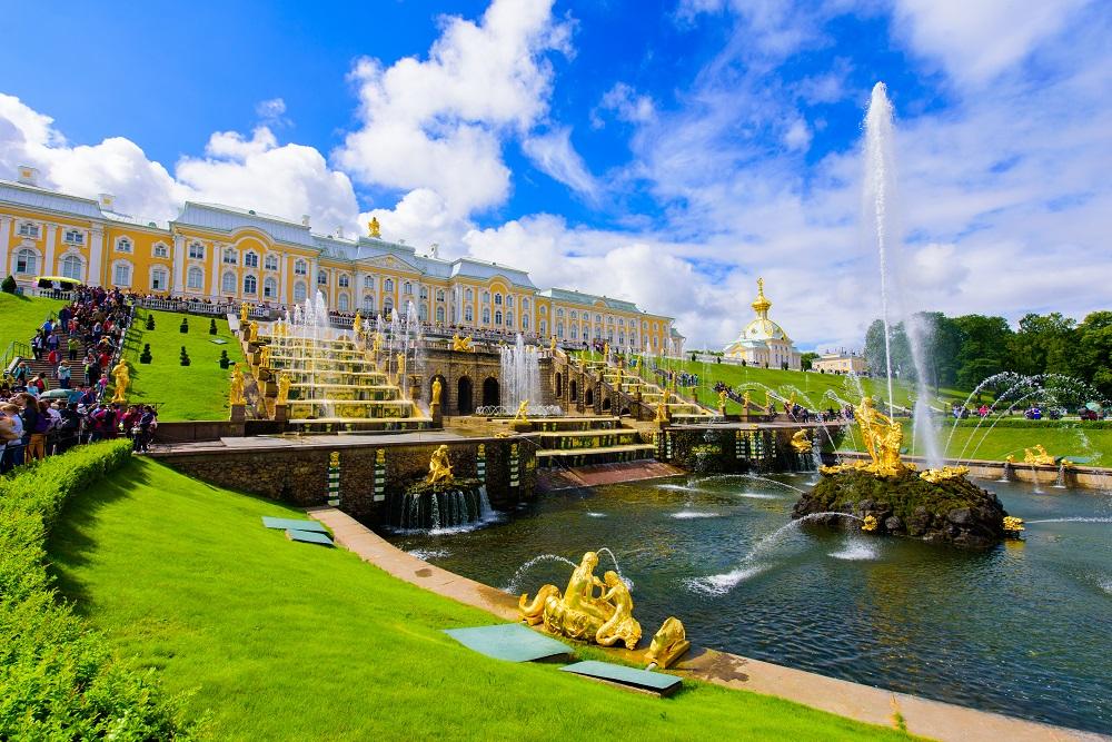 санкт петербург и москва